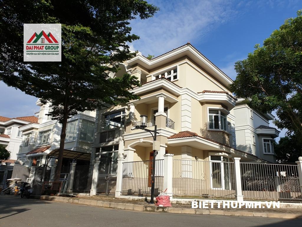 Bán biệt thự Mỹ Văn, Phú Mỹ Hưng đơn lập căn góc 328m2 , nhà thô 48.5 tỷ