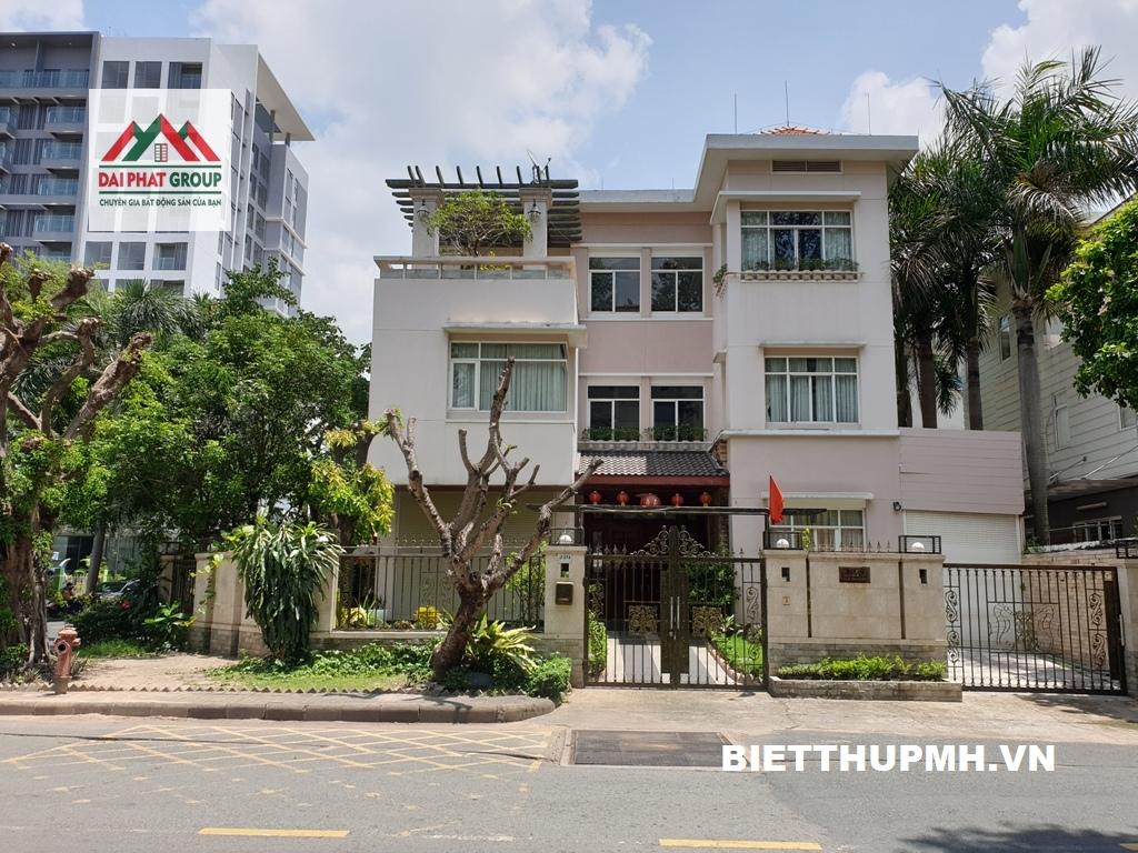 Cho thuê biệt thự góc 2MT đường lớn Phú Mỹ Hưng, Quận 7 giá 4500$/tháng