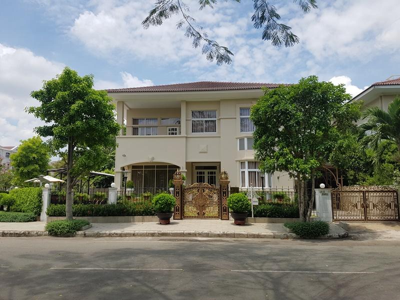 bán biệt thự đẹp có hồ bơi Phú Mỹ Hưng